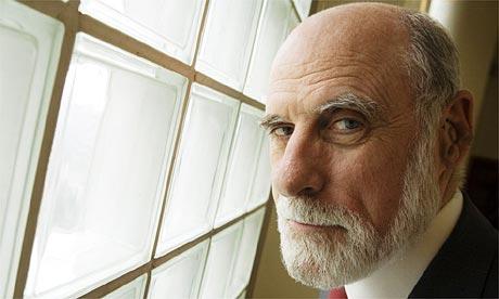 Casos de éxito con audífonos: Dr. Vinton Cerf, el padre de Internet